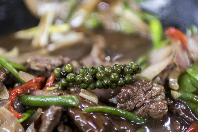 Hovězí maso restované se zeleninou