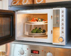 Příprava potravin v mikrovlnné troubě