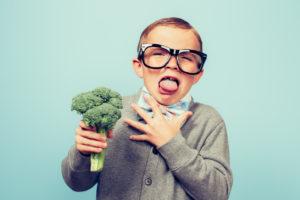 Dítě a brokolice